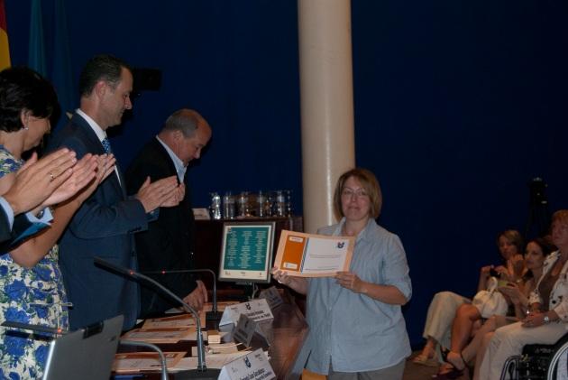 Nuría recoge el Diploma por Instituto Tecnológico del Cantábrico como responsable del Plan de Igualdad de ITC